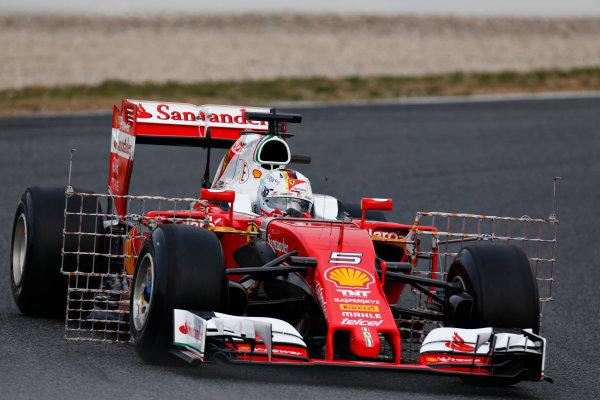 Circuit de Catalunya, Barcelona, Spain Monday 22 February 2016. Sebastian Vettel, Ferrari SF16-H. World Copyright: Alastair Staley/LAT Photographic ref: Digital Image _R6T6592