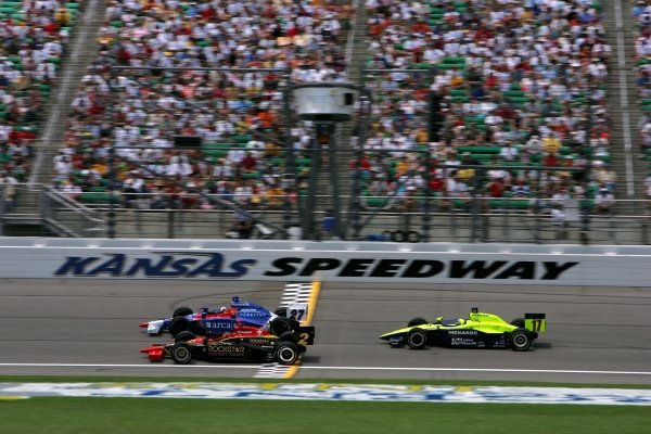 Tomas Enge (CZE) Panther Racing Dallara Chevrolet, Dario Franchitti (GBR) Andretti Green Racing Dallara Honda and Vitor Meira (BRA) Rahal Letterman Racing Panoz Honda, race in the Argent Mortgage 300.