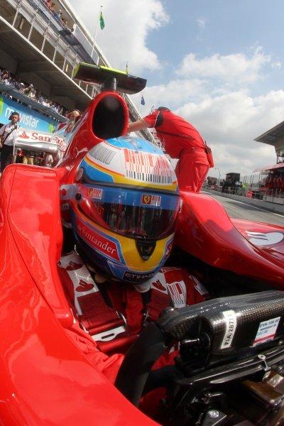 Fernando Alonso (ESP) Ferrari F10. Formula One World Championship, Rd 5, Spanish Grand Prix, Qualifying Day, Barcelona, Spain, Saturday 8 May 2010.