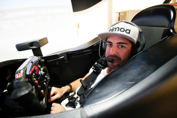 2017 Verizon IndyCar Series Fernando Alonso Simulator Test at HPD-I Brownsburg, Indiana, USA Tuesday 25 April 2017 Fernando Alonso in the Honda Performance Development simulator  World Copyright: Michael L. Levitt LAT Images
