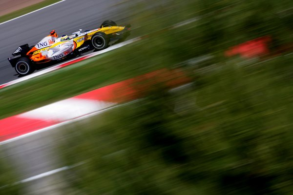 2007 Spanish Grand PrixCircuit de Catalunya, Barcelona, Spain.11th - 13th May 2007.Giancarlo Fisichella, Renault R27. Action.World Copyright: Lorenzo Bellanca/LAT Photographicref: Digital Image ZD2J6981