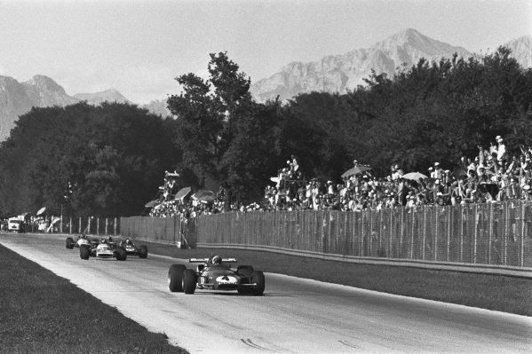 1970 Italian Grand Prix. Monza, Italy. 4th - 6th September 1970. Clay Regazzoni (Ferrari 312B), 1st position, action. World Copyright: LAT Photographic. Ref: 1347D - 23A.