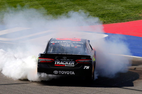Martin Truex Jr., Furniture Row Racing, Toyota Camry Bass Pro Shops/5-hour ENERGY celebrates his win with a burnout