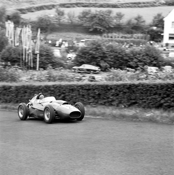Nurburgring, Germany. 1 - 3 August 1958.Phil Hill (Ferrari Dino 156), 9th position, action. World Copyright: LAT Photographic.Ref:  B/WPRINT.