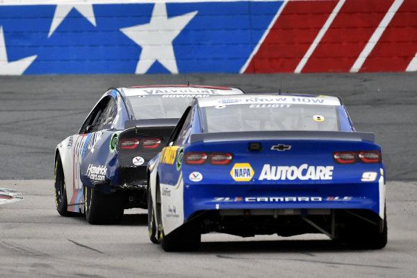 #88: Alex Bowman, Hendrick Motorsports, Chevrolet Camaro Valvoline, #9: Chase Elliott, Hendrick Motorsports, Chevrolet Camaro NAPA Auto Parts