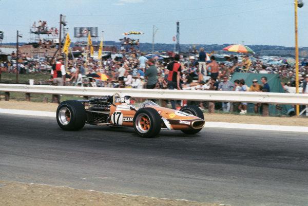 Kyalami, South Africa. 27th February - 1st March 1969.Sam Tingle (Team Gunston/Brabham BT24 Repco), 8th position.World Copyright - LAT PhotographicRef: 69 SA 01