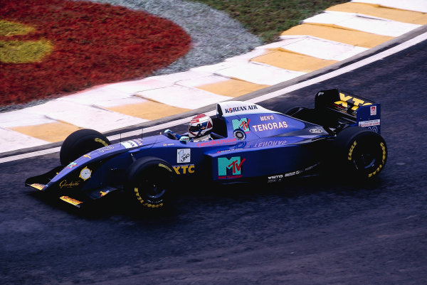 1995 Brazilian Grand Prix.Interlagos, Sao Paulo, Brazil. 24-26 March 1995.Jos Verstappen (Simtek S951 Ford).Ref-95 BRA 38.World Copyright - LAT Photographic