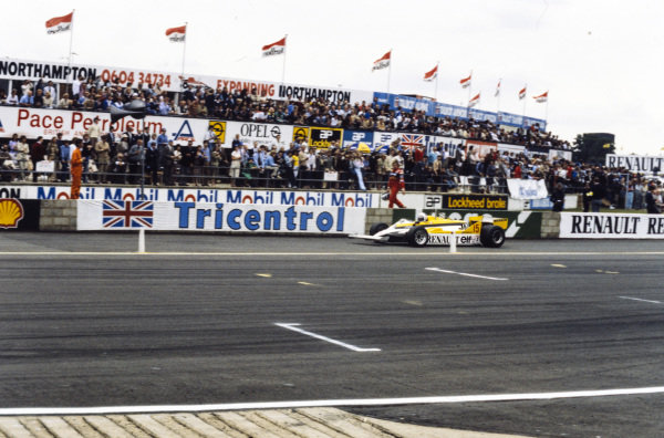 Alain Prost, Renault RE30, pulling to the side of the track.
