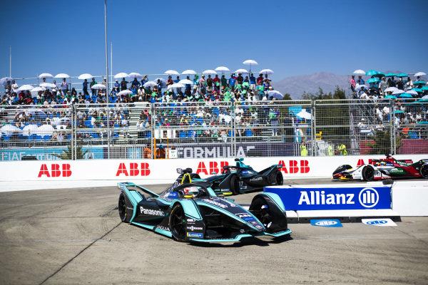 Nelson Piquet Jr. (BRA), Panasonic Jaguar Racing, Jaguar I-Type 3 leads Gary Paffett (GBR), HWA Racelab, VFE-05 and Lucas Di Grassi (BRA), Audi Sport ABT Schaeffler, Audi e-tron FE05