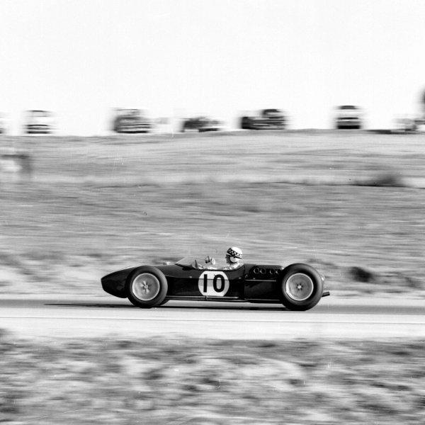 1960 United States Grand Prix.Riverside, California, USA.18-20 November 1960.Innes Ireland (Lotus 18 Climax) 2nd position.Ref-7474.World Copyright - LAT Photographic