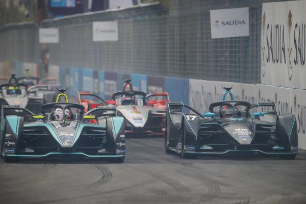 Mitch Evans (NZL), Panasonic Jaguar Racing, Jaguar I-Type 3 side by side with Gary Paffett (GBR), HWA Racelab, VFE-05