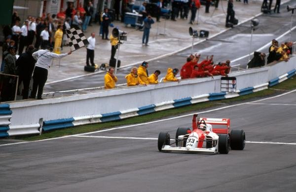 Race winner Allan McNish (GBR) DAMS Lola T90/50 Cosworth DFV takes his second victory of the season.