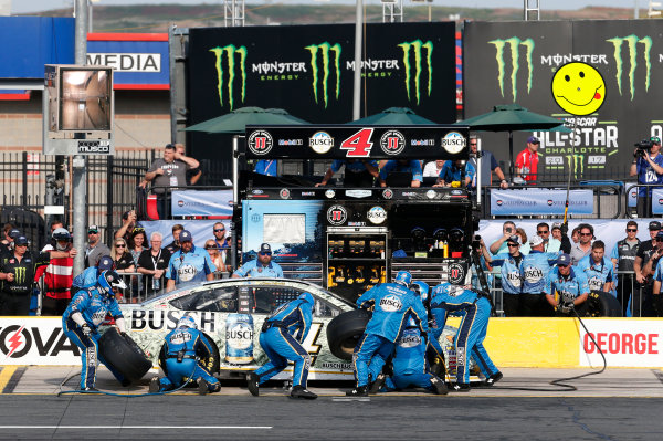 Monster Energy NASCAR Cup Series Monster Energy NASCAR All-Star Race Charlotte Motor Speedway, Concord, NC USA Friday 19 May 2017 Kevin Harvick, Stewart-Haas Racing, Busch Bucks Ford Fusion World Copyright: Matthew T. Thacker LAT Images ref: Digital Image 17CLT1mt1337