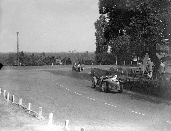 Le Mans, France. 16-17 June 1934.Alex von der Becke/Kenneth Peacock (Riley 9) leads Jean Sebilleau/Georges Delaroche (Riley Nine MPH Racing). They finished in 5th and 2nd positions respectively.Ref-Motor 800/84.World Copyright - LAT Photographic