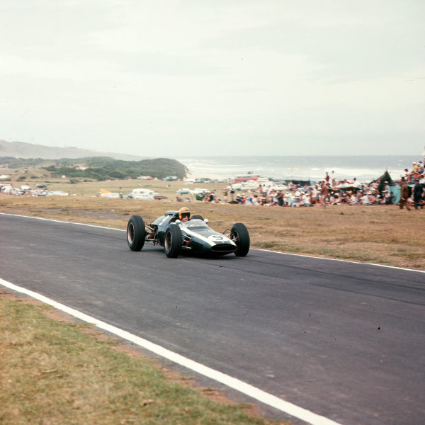 East London, South Africa.27-29 December 1962.Tony Maggs (Cooper T60 Climax) 3rd position.Ref-3/0740.World Copyright - LAT Photographic