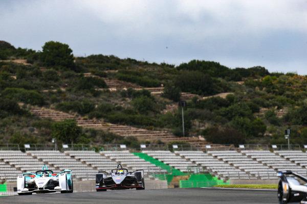 Tom Dillmann (FRA), NIO Formula E Team, NIO Sport 004 leads Oliver Rowland (GBR), Nissan e.Dams, Nissan IMO1