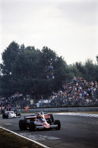 Niki Lauda, Brabham BT46 Alfa Romeo leads Carlos Reutemann, Ferrari 312T3.