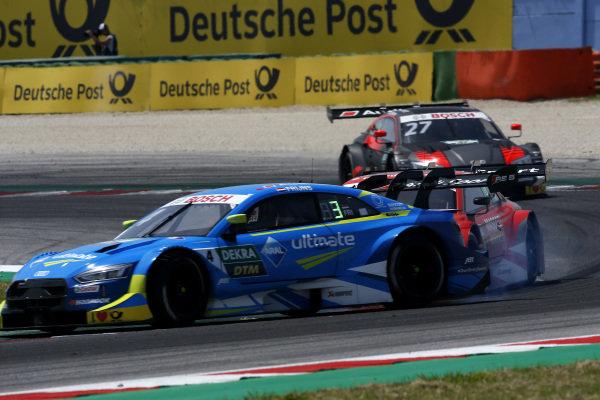 Robin Frijns, Audi Sport Team Abt Sportsline, Audi RS5 DTM get a push from Loic Duval, Audi Sport Team Phoenix, Audi RS 5 DTM.