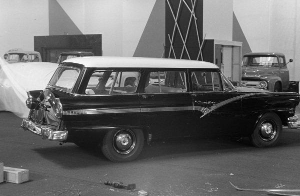 Ford Station wagon.