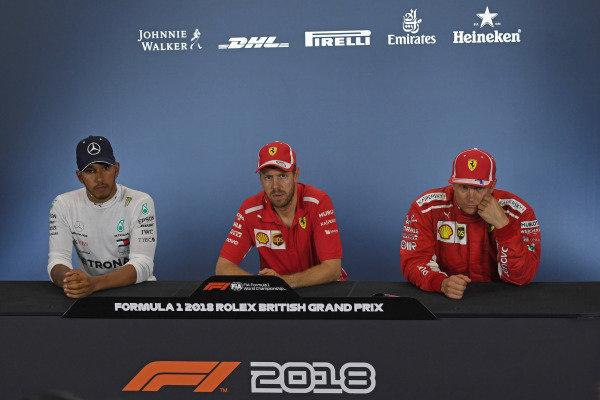 (L to R): Lewis Hamilton (GBR) Mercedes-AMG F1, Sebastian Vettel (GER) Ferrari, Kimi Raikkonen (FIN) Ferrari