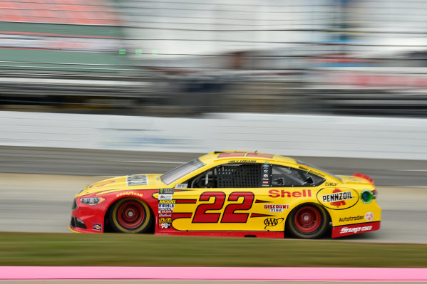 Monster Energy NASCAR Cup Series First Data 500 Martinsville Speedway, Martinsville VA USA Saturday 28 October 2017 Joey Logano, Team Penske, Shell-Pennzoil Ford Fusion World Copyright: Scott R LePage LAT Images ref: Digital Image lepage-171028-mart-3525
