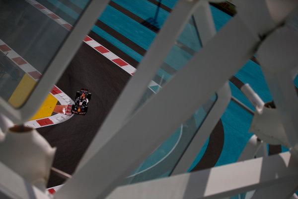 Yas Marina Circuit, Abu Dhabi, United Arab Emirates. Friday 24 November 2017. Max Verstappen, Red Bull Racing RB13 TAG Heuer. World Copyright: Andrew Hone/LAT Images  ref: Digital Image _ONZ8810