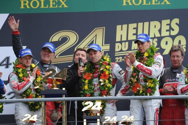 Circuit de La Sarthe, Le Mans, France. 21st-23rd June 2013. Tom Kristensen/Loic Duval/Allan McNish, Audi Sport Team Joest, No 2 Audi R18 e-tron quattro celebrate win. World Copyright: Jeff Bloxham/LAT Photographic ref: Digital Image DSC_9714