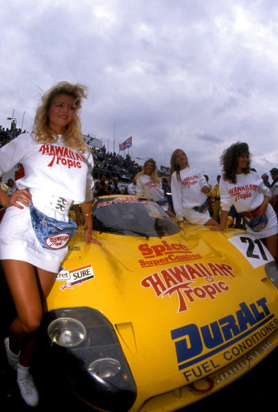 Hawaiian Tropic girls pose with the Spice Engineering SE89C of Ray Bellm (GBR) / Gordon Spice (GBR) / Lyn St. James (USA). Le Mans 24 Hours, Le Mans, France, 10 & 11 June 1989.