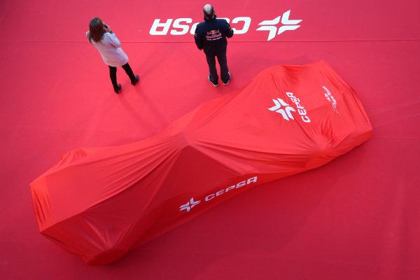 Scuderia Toro Rosso STR9 under covers. Scuderia Toro Rosso STR9 Launch, Jerez, Spain, Monday 27 January 2014.