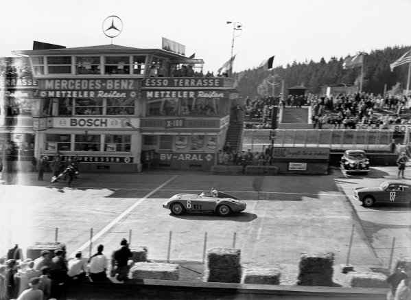 Nurburgring, Germany. 27th May 1956. Stirling Moss / Jean Behra (Maserati 300S), 1st position, action.  World Copyright: LAT Photographic Ref: Autocar Glass Plate C46379.