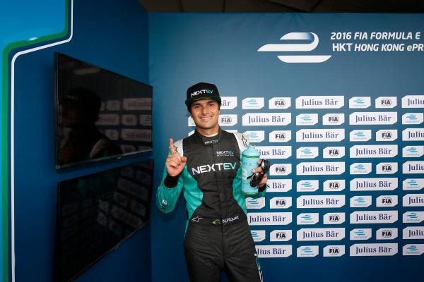 2016/2017 FIA Formula E Championship. Hong Kong ePrix, Hong Kong, China. Sunday 09 October 2016. Nelson Piquet (3, NextEV NIO) celebrtes after taking Pole Position. Photo: Adam Warner/LAT/Formula E ref: Digital Image _L5R7966