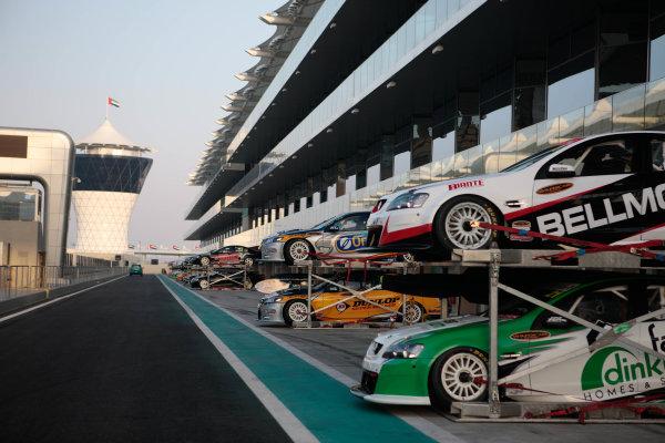 Yas Marina Circuit. Abu Dhabi, UAE.19th - 20th February 2010.Event 01 of the Australian V8 Supercar Championship Series.World Copyright: Mark Horsburgh/LAT Photographicref: Digital Image v8AbuDhabi-EV01-0304