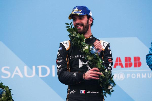 Jean-Eric Vergne (FRA), DS TECHEETAH celebrates 2nd position on the podium