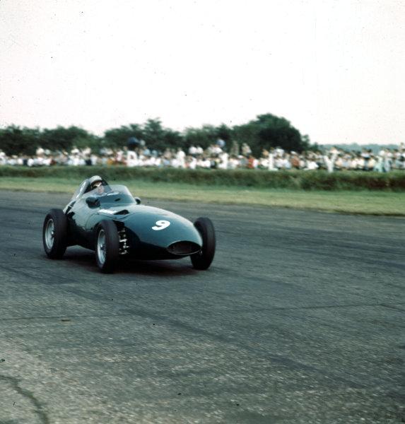 1958 British Grand Prix.Silverstone, England.17-19 July 1958.Stuart Lewis-Evans (Vanwall VW9) 4th position.Ref-3/0088.World Copyright - LAT Photographic