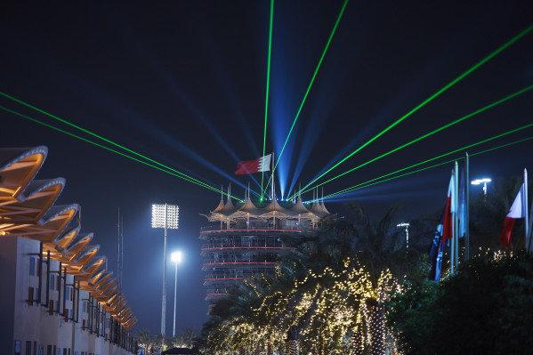 Laser lights on the Sakhir tower at night at Formula One World Championship, Rd4, Bahrain Grand Prix Practice, Bahrain International Circuit, Sakhir, Bahrain, Friday 17 April 2015. BEST IMAGE