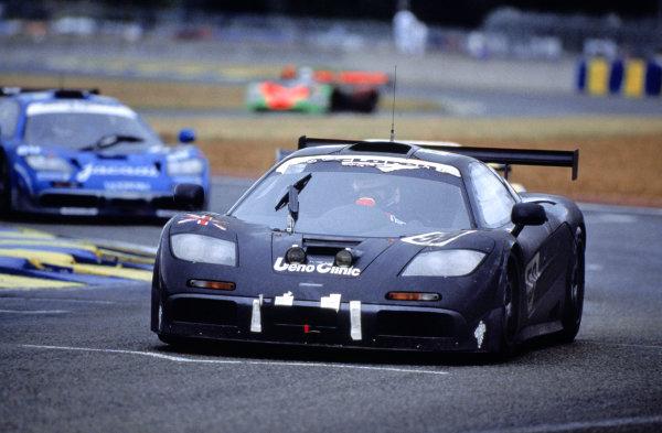 1995 Le Mans 24 Hours. Le Mans, France. 17th - 18th June 1995. J.J. Lehto/Yannick Dalmas/Masanori Sekiya (McLaren F1 GTR), 1st position, action. World Copyright: LAT Photographic Ref: 95LM21.