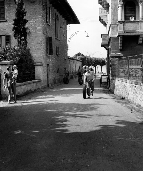 France.  11th - 16th July 1952.Stirling Moss / John Cutts, (Sunbeam - Talbot 90), 1st position, portrait.World Copyright: LAT Photographic.
