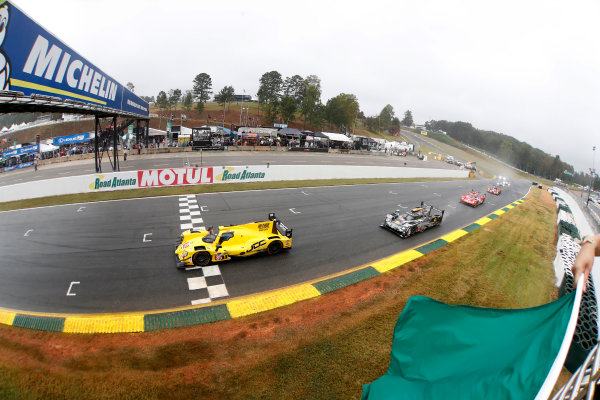 IMSA WeatherTech SportsCar Championship Motul Petit Le Mans Road Atlanta, Braselton GA Saturday 7 October 2017 85, ORECA, P, Misha Goikhberg, Chris Miller, Stephen Simpson takes the green flag start World Copyright: Michael L. Levitt LAT Images