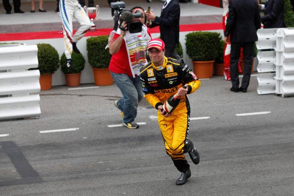 Monte Carlo, Monaco. 15th May 2010. Saturday Race.Jerome D'Ambrosio (BEL, Dams) celebrates his victory. Photo: Andrew Ferraro/GP2 Media Service.Ref: _MG_5502 jpg