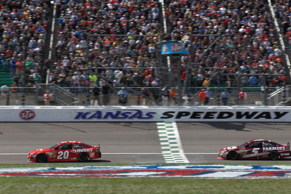 19-21 April, 2013, Kansas City, Kansas USA Matt Kenseth beats Kasey Kahne to the checkered flag ©2013, Phillip Abbott LAT Photo USA