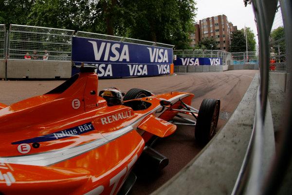2014/2015 FIA Formula E Championship. London ePrix, Battersea Park, London, United Kingdom. Sunday 28 June 2015 Jean-Eric Vergne (FRA)/Andretti Motorsport - Spark-Renault SRT_01E  Photo: Zak Mauger/LAT/Formula E ref: Digital Image _L0U0053