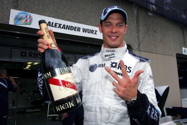 Alex Wurz (AUT) Williams celebrates finishing in 3rd position. Formula One World Championship, Rd 6, Canadian Grand Prix, Race, Montreal, Canada, Sunday 10 June 2007. DIGITAL IMAGE  BEST IMAGE