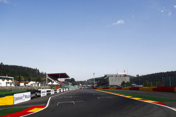 A view of the pit straight.