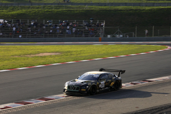 #107 Bentley Team M-Sport Bentley Continental GT3: Jules Gounon, Maxime Soulet, Jordan Pepper.