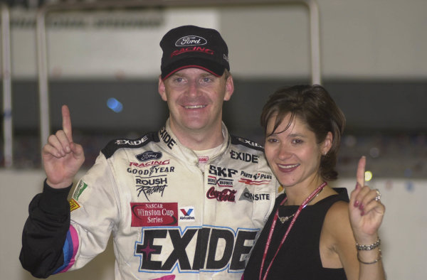 daytona pepsi 400 july 1 2000 daytona fla usa jeff burton in victory lane with wife kim-Robt LeSieur 2000LAT PHOTOGRAPHIC