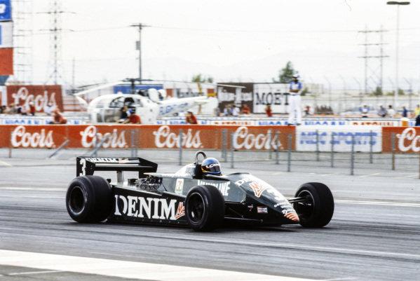 Michele Alboreto, Tyrrell 011 Ford.
