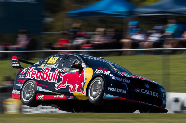 2015 V8 Supercars Round 3. Perth Super Sprint, Barbagallo Raceway, Western Australia, Australia. Friday 1st May - Sunday 3rd May 2015. Craig Lowndes drives the #888 Red Bull Racing Holden VF Commodore  World Copyright: Daniel Kalisz/LAT Photographic Ref: Digital Image V8SC15_PERTHR3_DKIMG0911.JPG