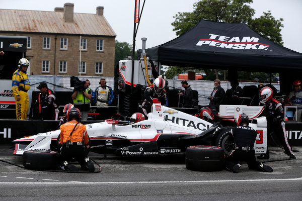 11-14 June, 2015, Toronto, Ontario, Canada Helio Castroneves pit stop ©2015, Michael L. Levitt LAT Photo USA