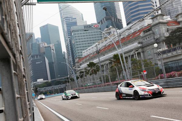 2015 TCR International Series Round 9. Marina Bay Circuit, Singapore. Friday 18 September 2015. Kevin Gleason, No.24 Westcoast Racing. World Copyright: Sam Bloxham/LAT Photographic. ref: Digital Image _SBL6091