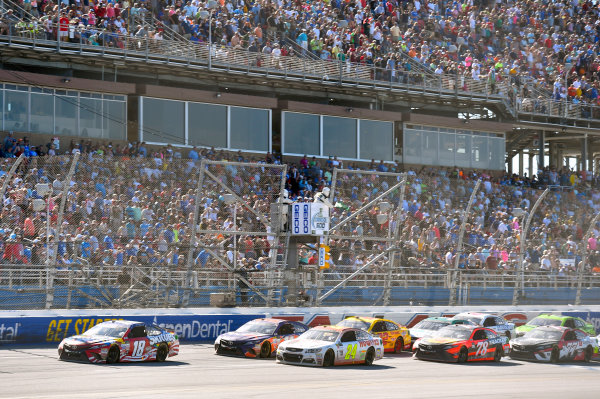 Monster Energy NASCAR Cup Series GEICO 500 Talladega Superspeedway, Talladega, AL USA Sunday 7 May 2017 Kyle Busch, Joe Gibbs Racing, Skittles Red, White, & Blue Toyota Camry and Chase Elliott, Hendrick Motorsports, Hooters Chevrolet SS World Copyright: Nigel Kinrade LAT Images ref: Digital Image 17TAL1nk07115